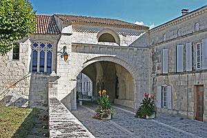 Commune de Pons pour la restauration de «l'hopital neuf»