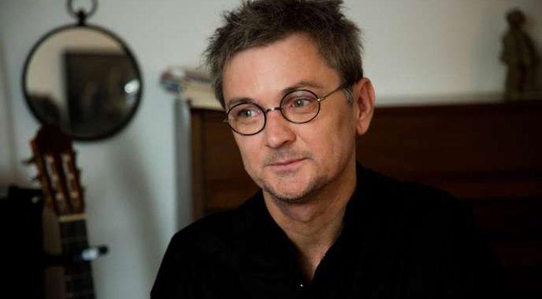 Marc Villemain, pour « Il y avait des rivières infranchissables » et « Mado »